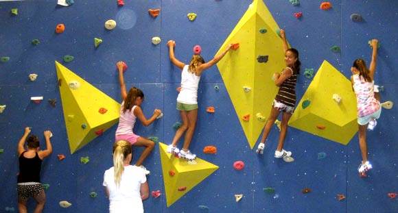 Kids Climbing Modular Wall With Pyramid Obstacles